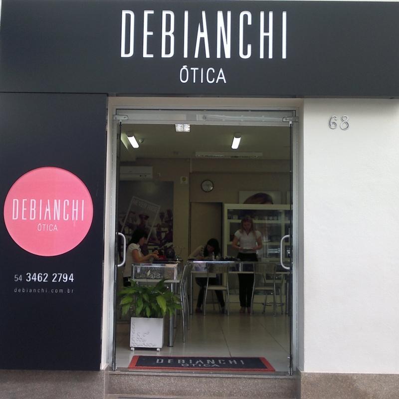 86c826f13f842 Debianchi Ótica